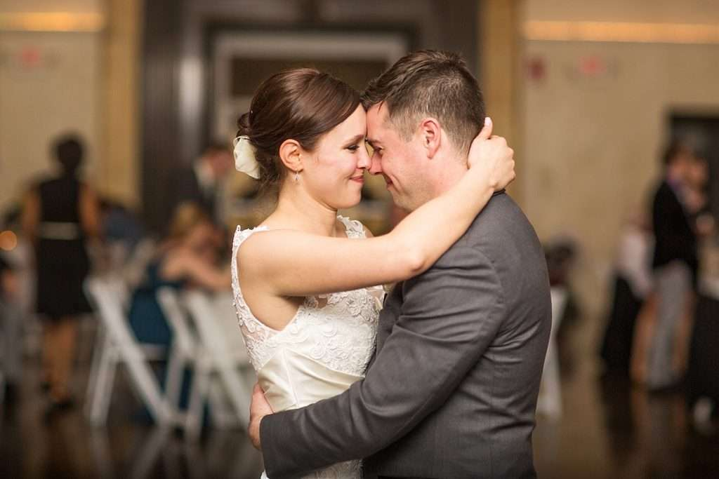 Perfect Spring Wedding at The Vault in Columbus, Ohio 56