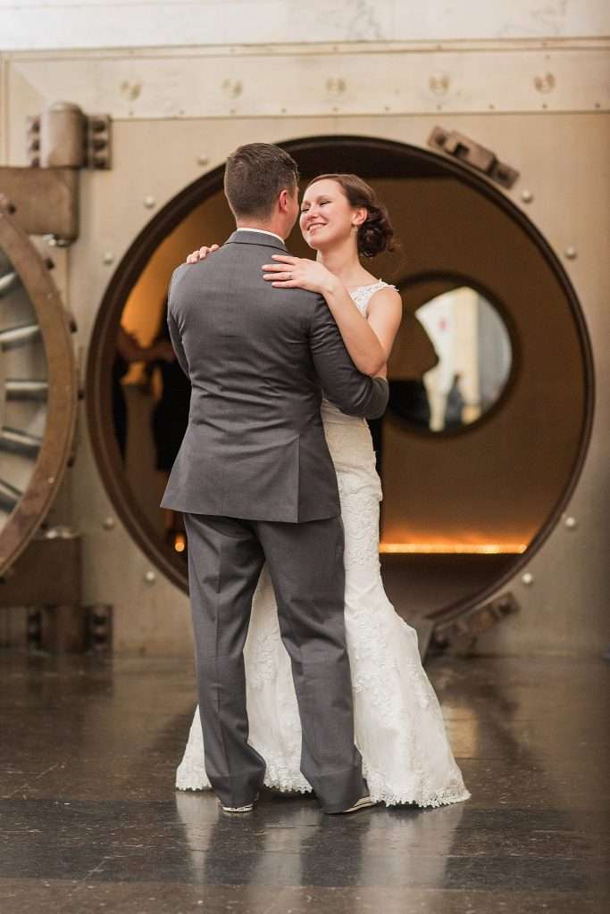 Perfect Spring Wedding at The Vault in Columbus, Ohio 60