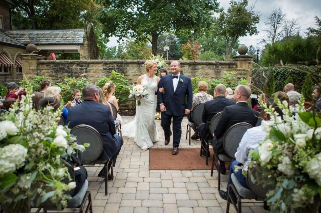 Intimate Brunch Wedding at the Granville Inn | Granville, Ohio Weddings 4