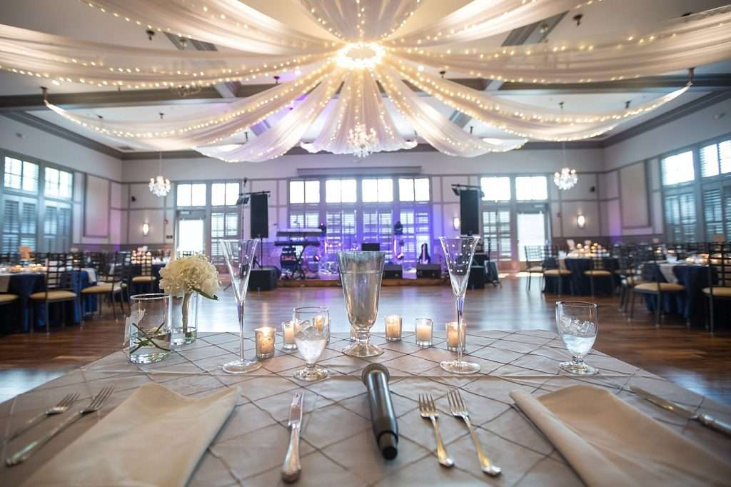 wide angle shot of the ballroom at Noah's of New Albany wedding venue