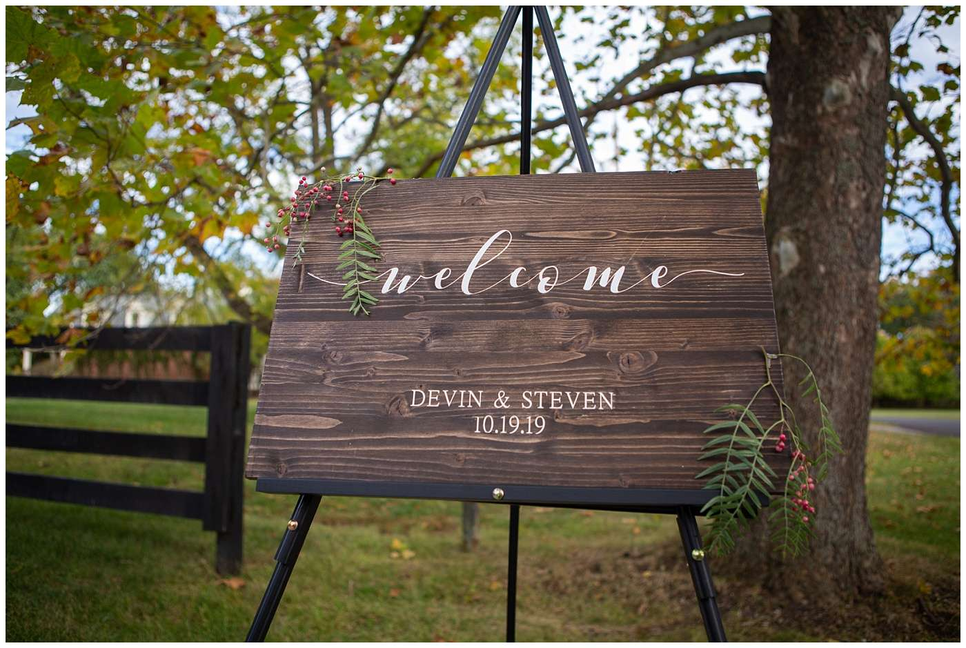Fall Wedding Photos | Historic Barn in Dublin, Ohio 98