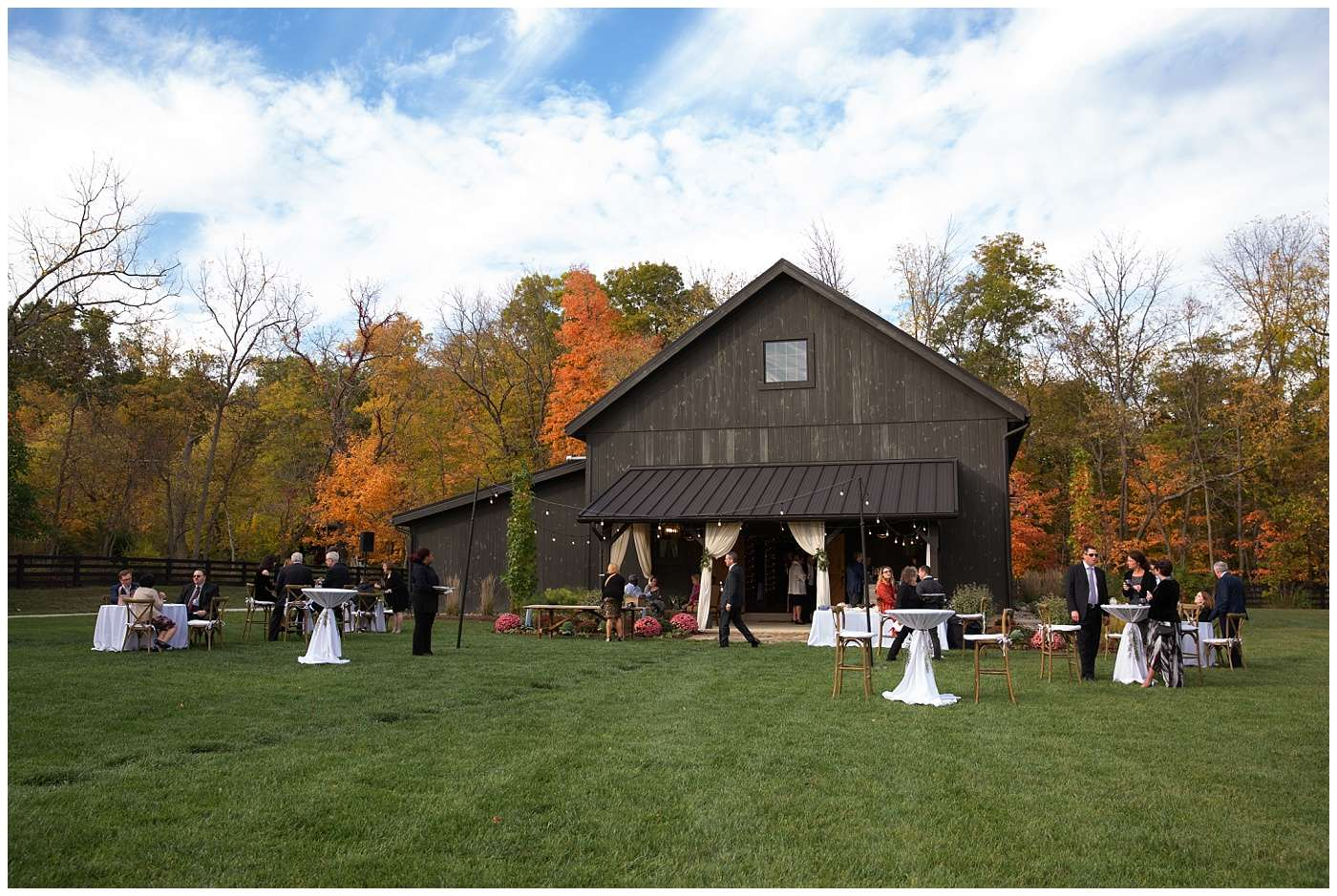 Fall Wedding Photos | Historic Barn in Dublin, Ohio 100
