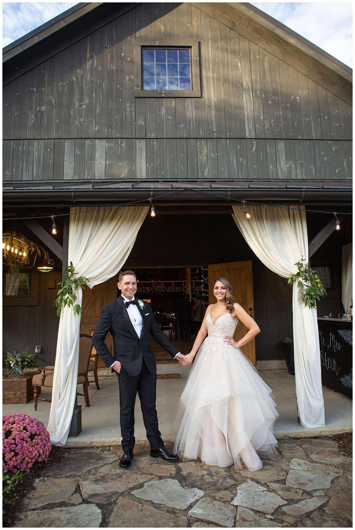Fall Wedding Photos | Historic Barn in Dublin, Ohio 104