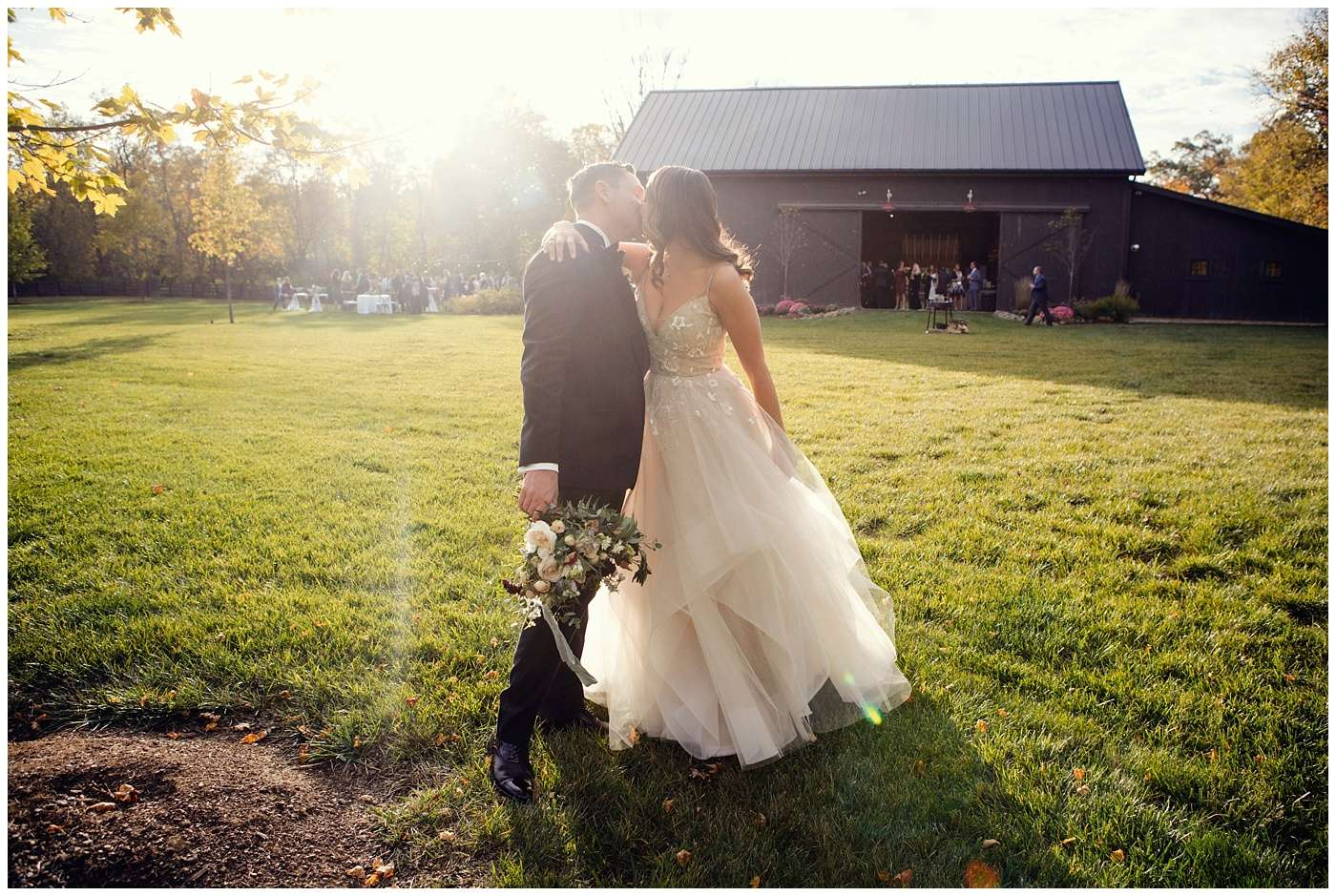 Fall Wedding Photos | Historic Barn in Dublin, Ohio 116