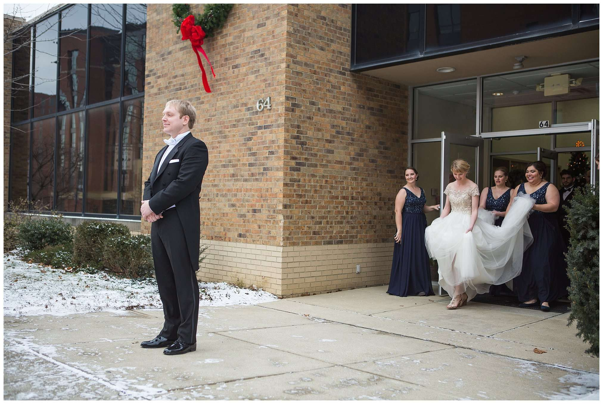 Perfect Winter Wedding at the Columbus Museum of Art 18