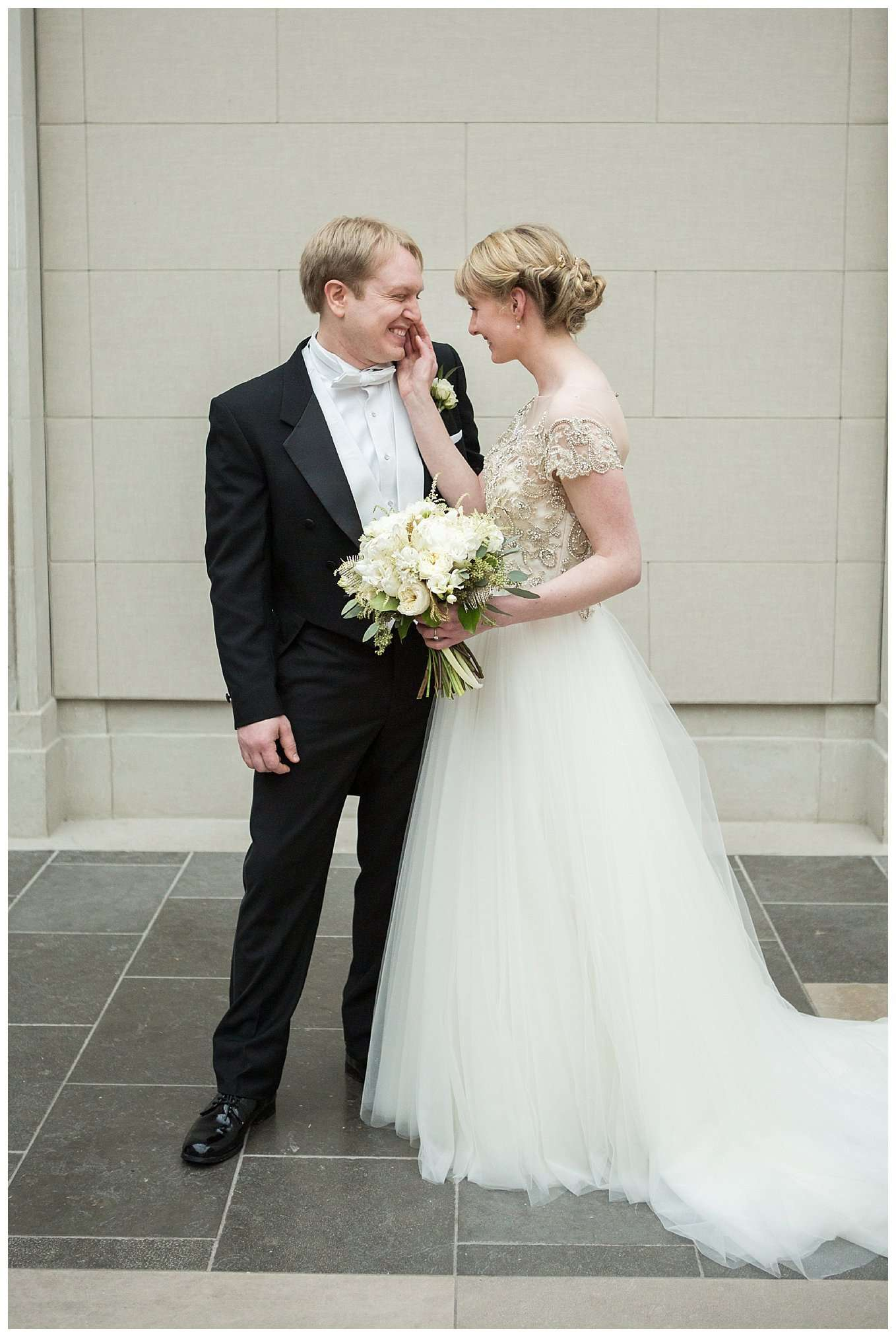 Perfect Winter Wedding at the Columbus Museum of Art 32
