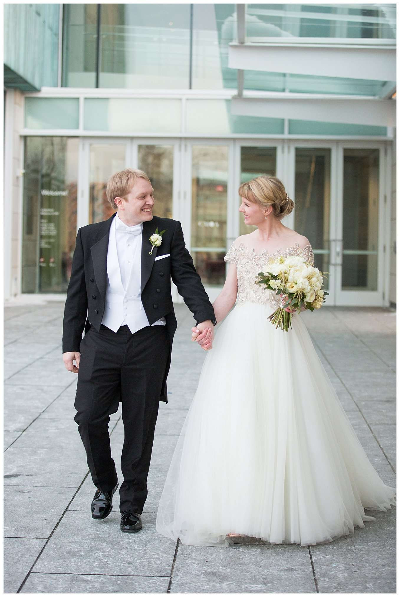 Perfect Winter Wedding at the Columbus Museum of Art 54