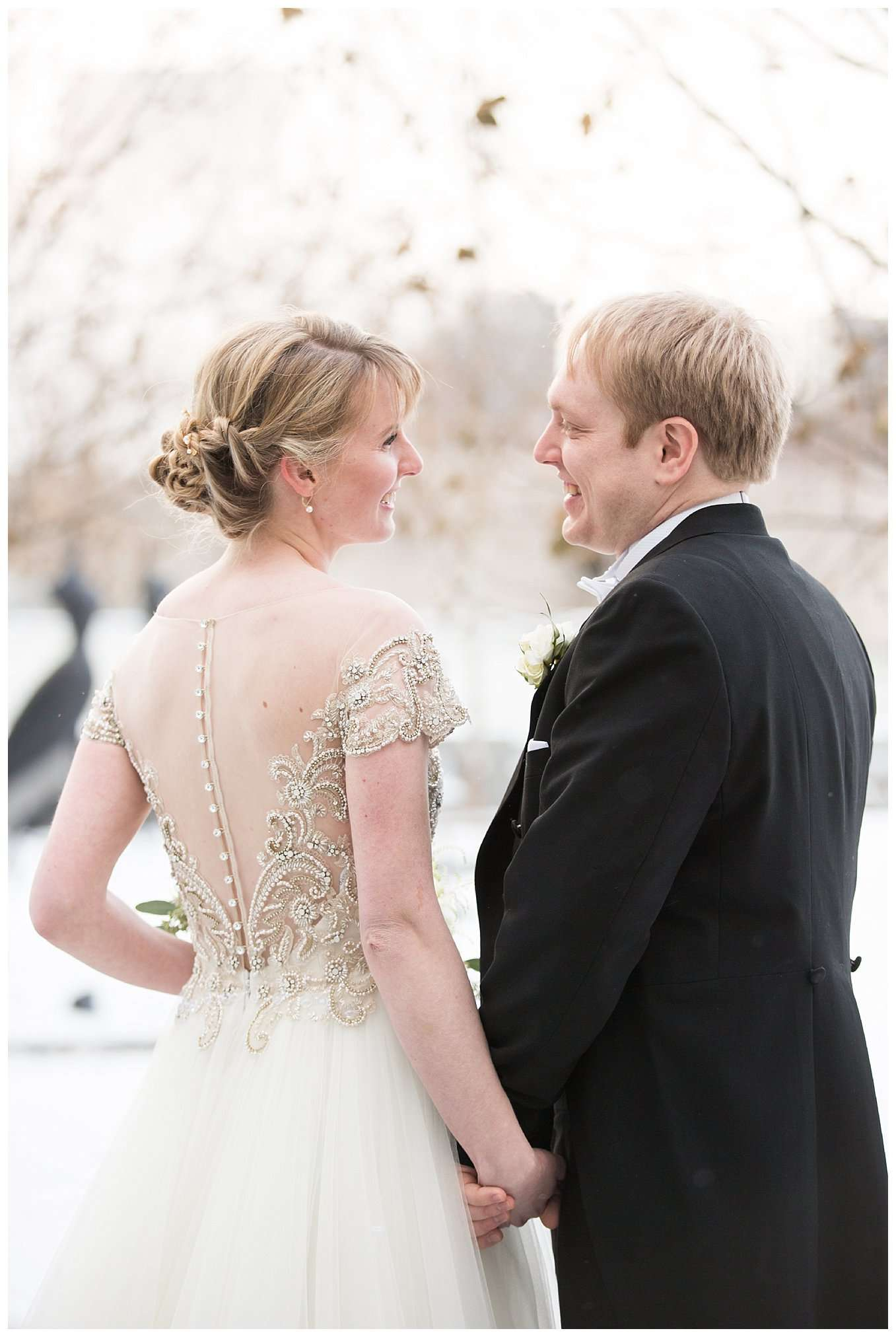 Perfect Winter Wedding at the Columbus Museum of Art 58