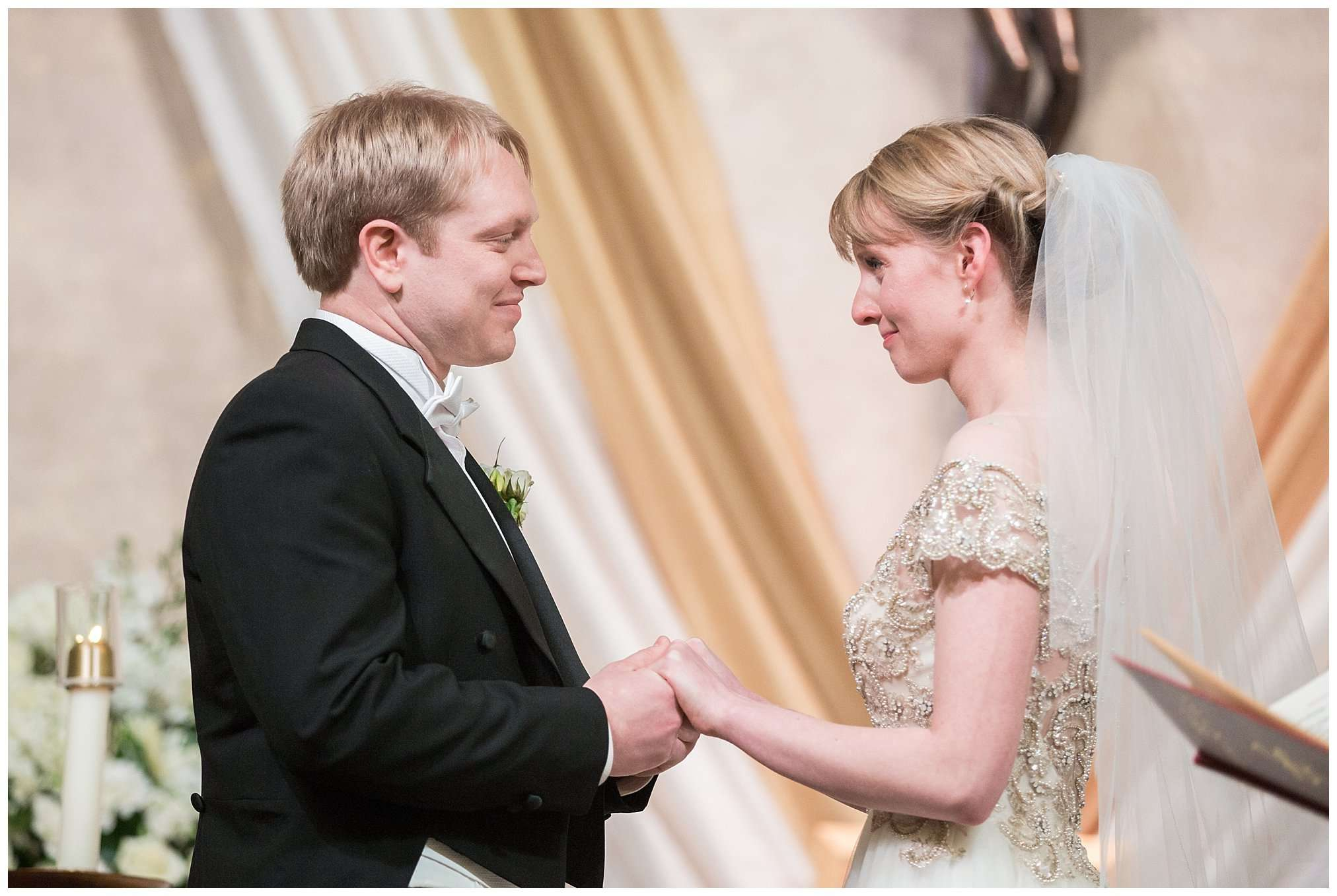 Perfect Winter Wedding at the Columbus Museum of Art 88
