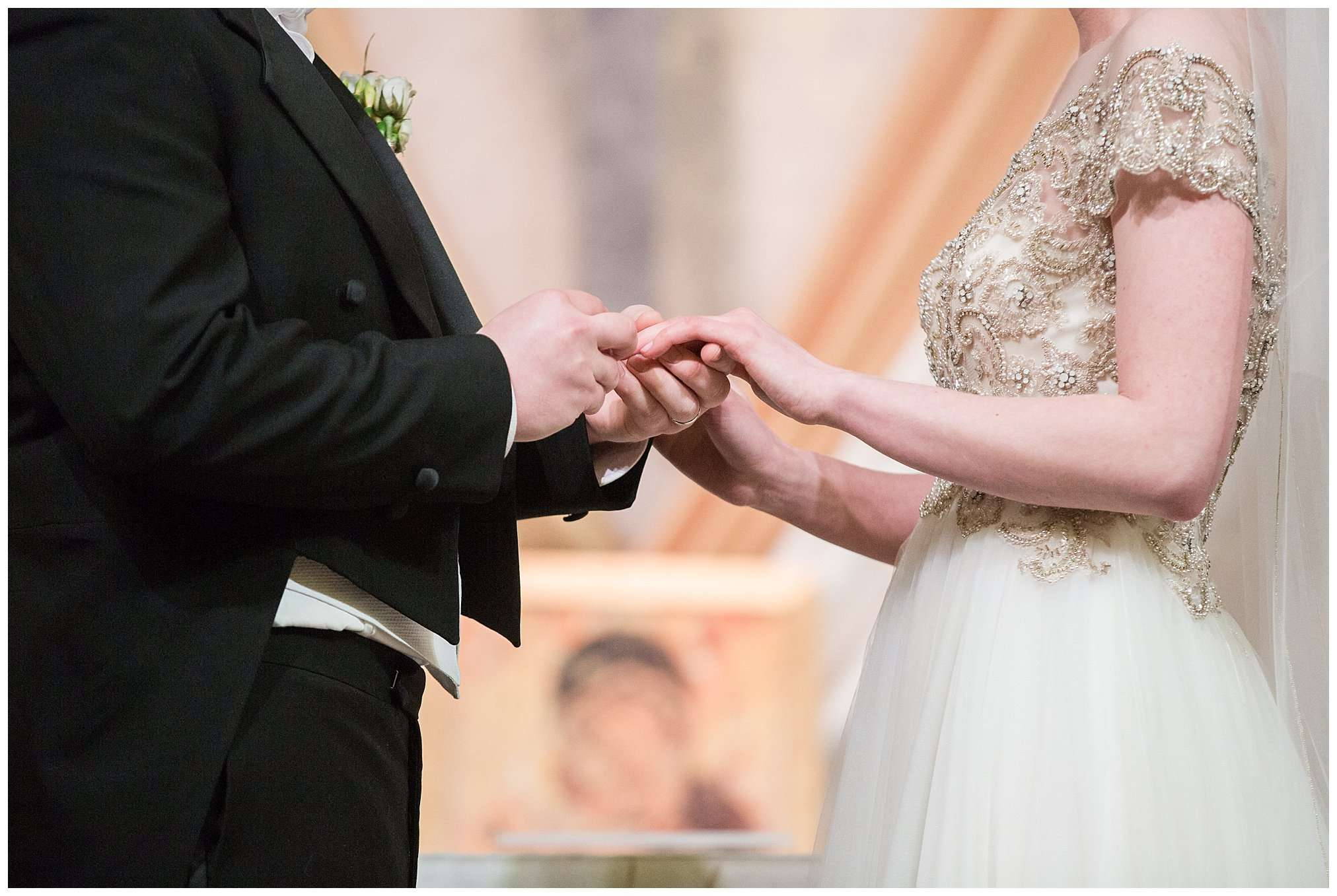 Perfect Winter Wedding at the Columbus Museum of Art 90
