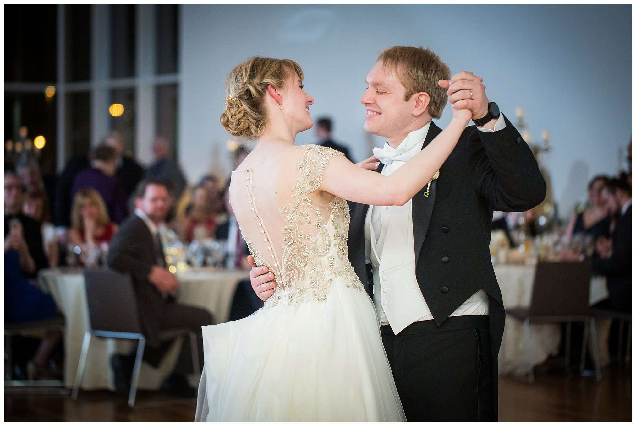 Perfect Winter Wedding at the Columbus Museum of Art 134