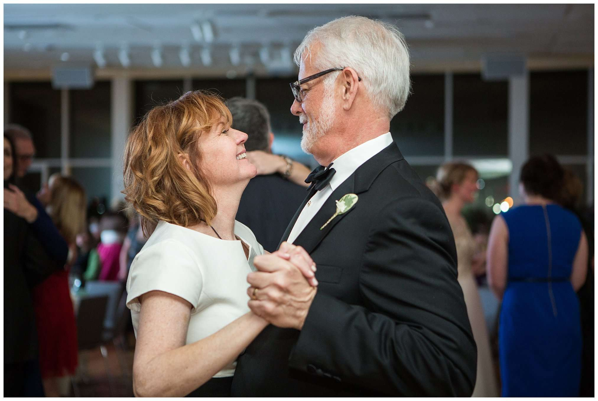 Perfect Winter Wedding at the Columbus Museum of Art 150