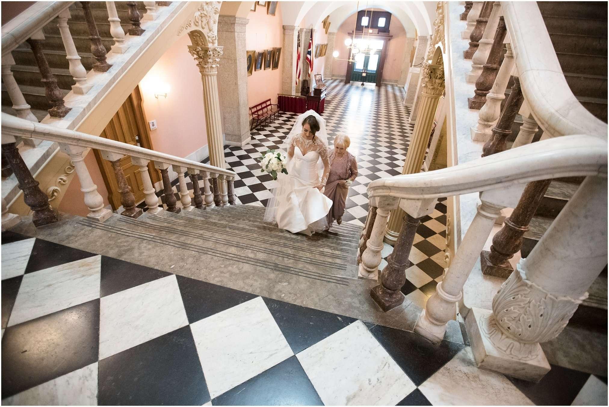 Spring Wedding at the Ohio Statehouse | Columbus Ohio Photography 18