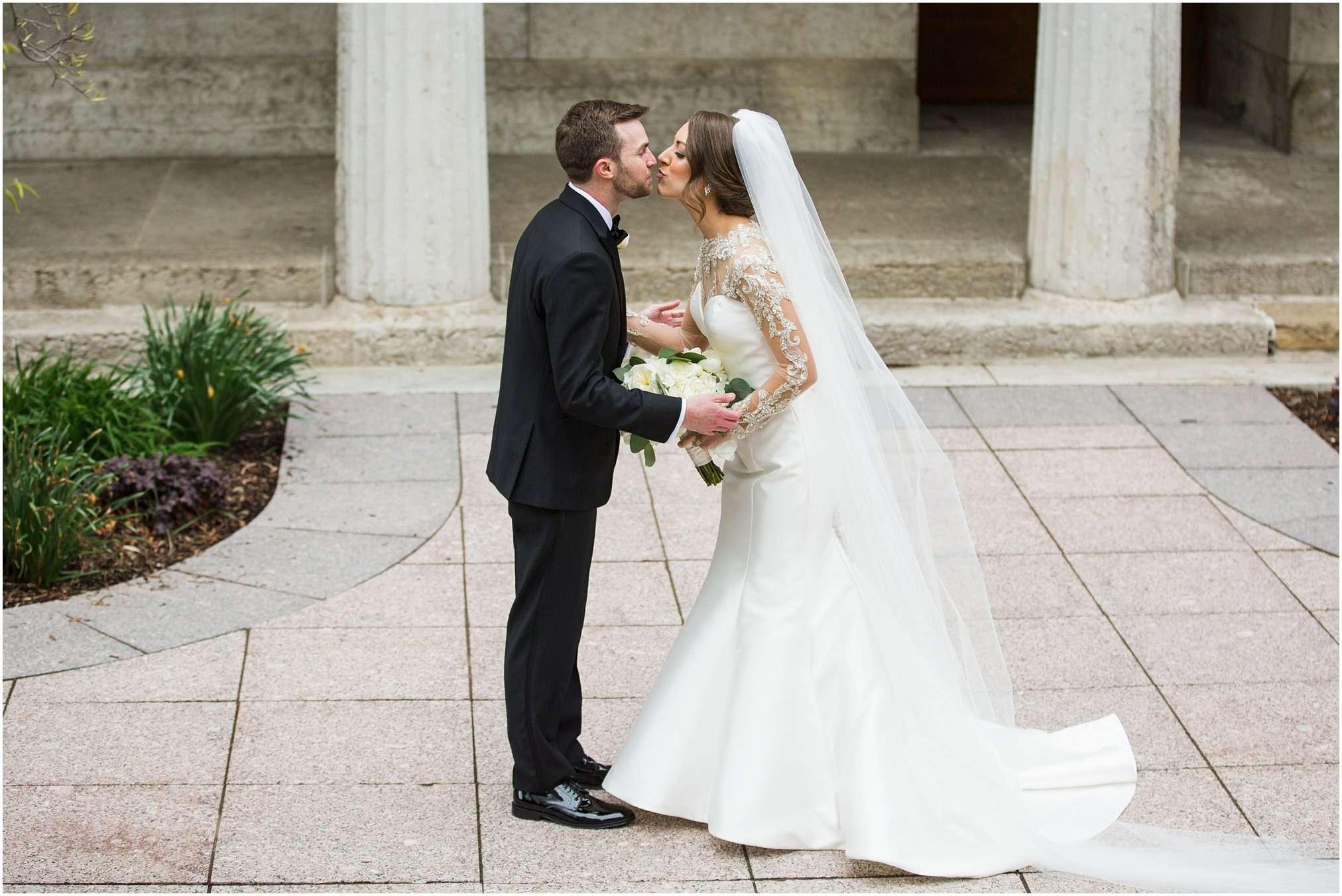 Spring Wedding at the Ohio Statehouse | Columbus Ohio Photography 32