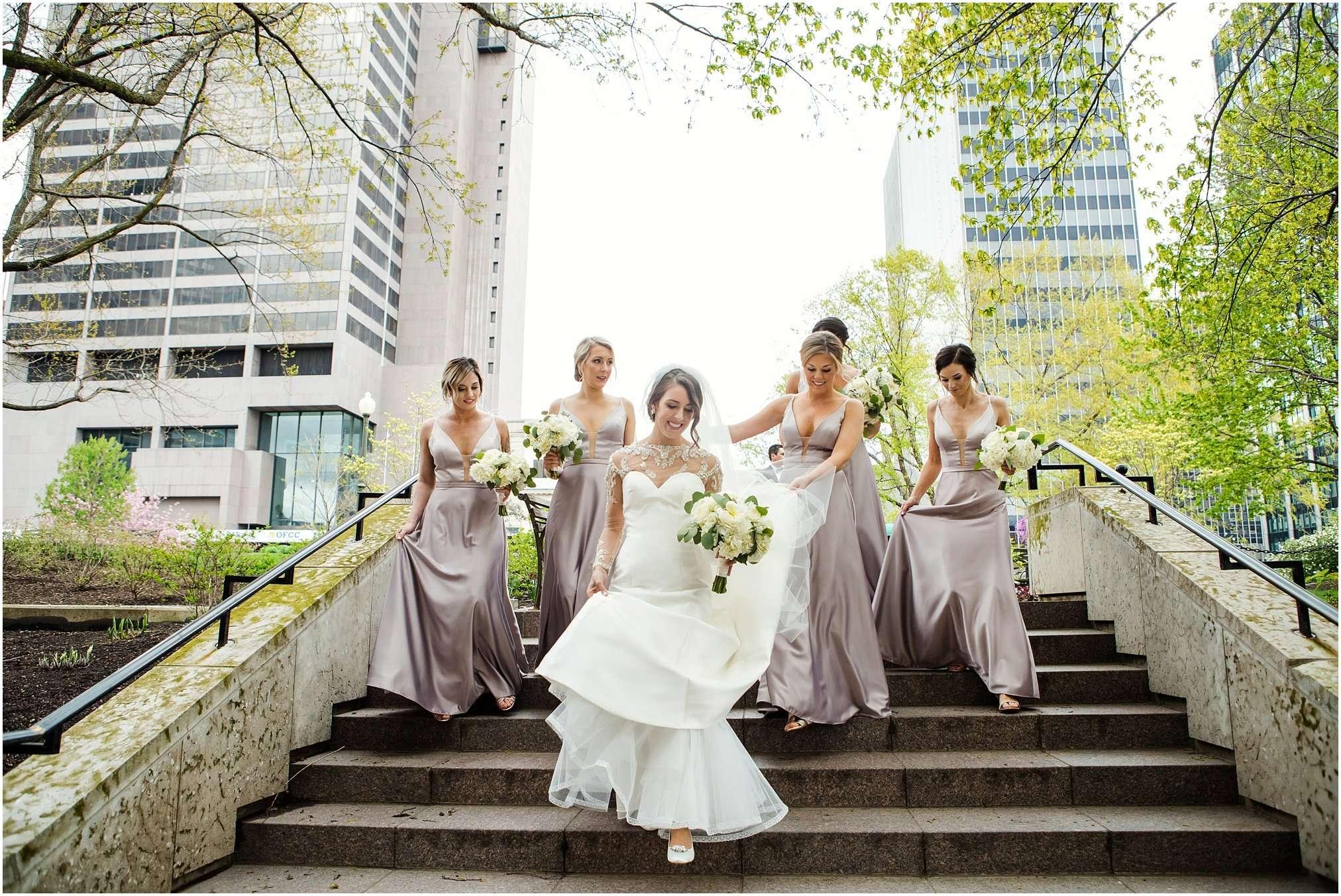 Spring Wedding at the Ohio Statehouse | Columbus Ohio Photography 100