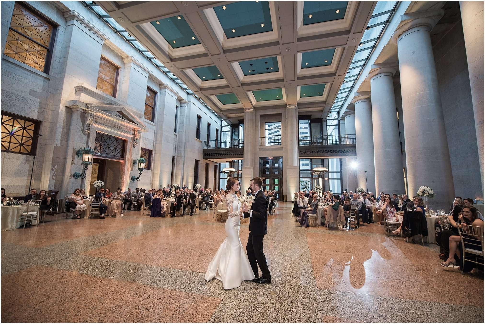 Spring Wedding at the Ohio Statehouse | Columbus Ohio Photography 208