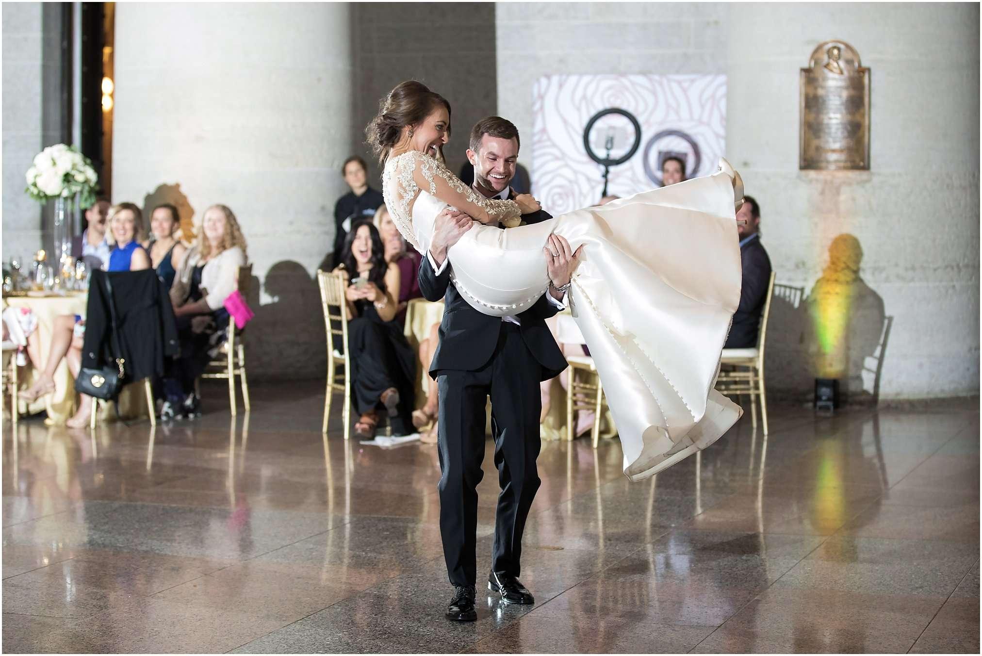Spring Wedding at the Ohio Statehouse | Columbus Ohio Photography 216
