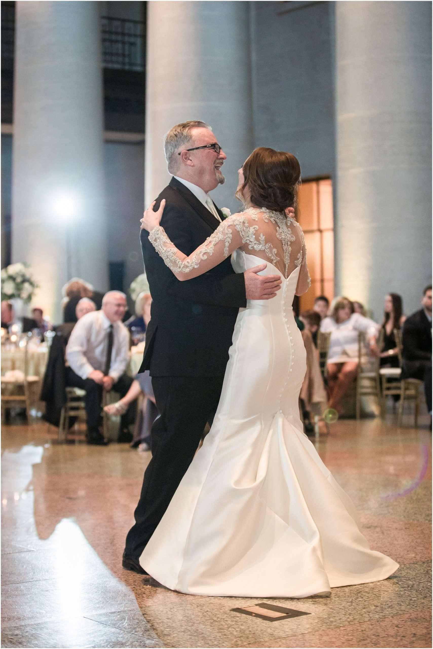 Spring Wedding at the Ohio Statehouse | Columbus Ohio Photography 218