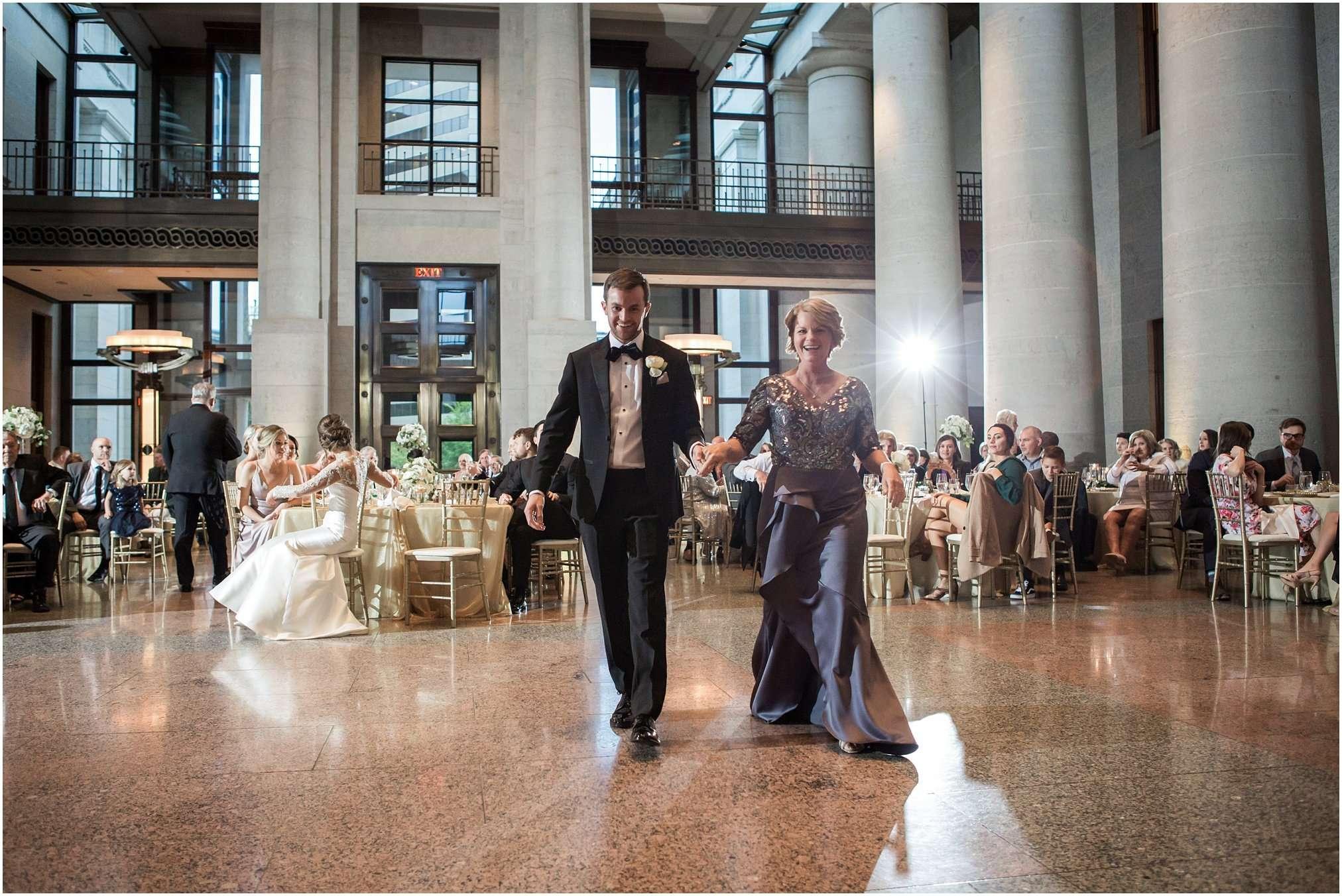Spring Wedding at the Ohio Statehouse | Columbus Ohio Photography 222