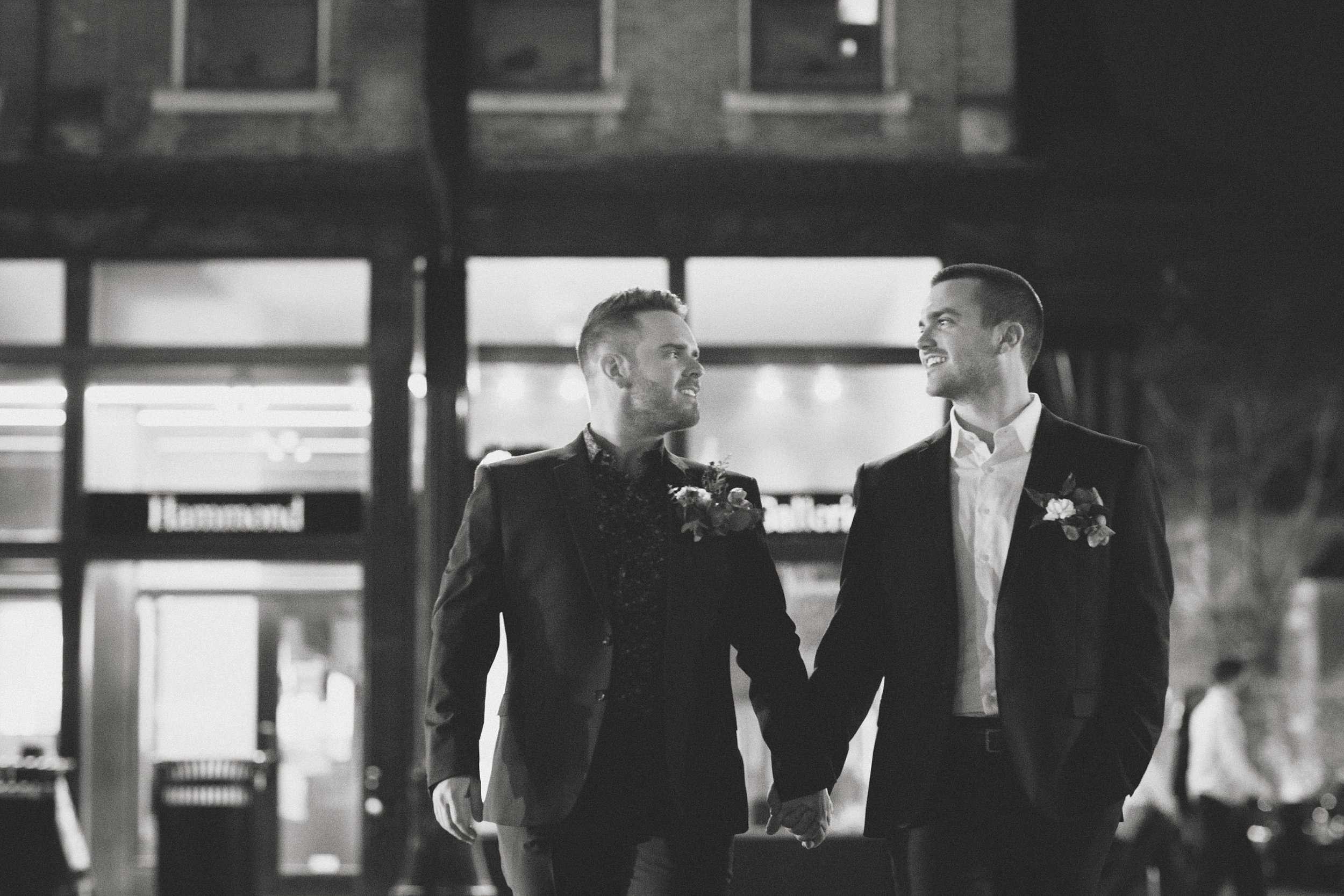 Modern Love in the Short North Columbus Ohio | Marc + Joe 44